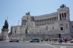 Venecijos aikštė, Viktoro Emanuelio paminklas