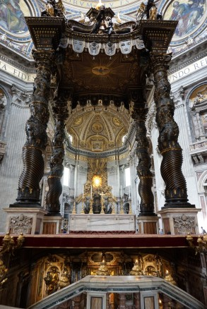 Vatikanas, šv. Petro bazilika., Bernini, Baldacchino.