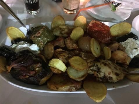 Lėkštė tradicinių kretietiškų valgių