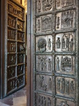 Plocko katedros bazilikos durys