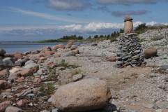 Akmenų bokštai pakratnėse