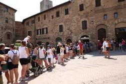 San Gimignano, eilė prie Dondoli ledainės