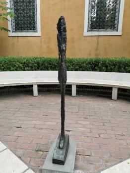 Peggy Guggenheim muziejaus kiemelis. A. Giacometti