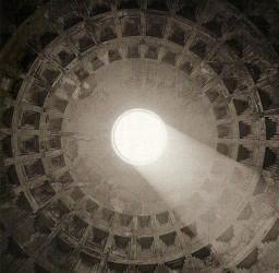 Isabel Muñoz, The Pantheon Rome, 1995.